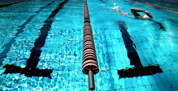 Skön träning med vattengymnastik